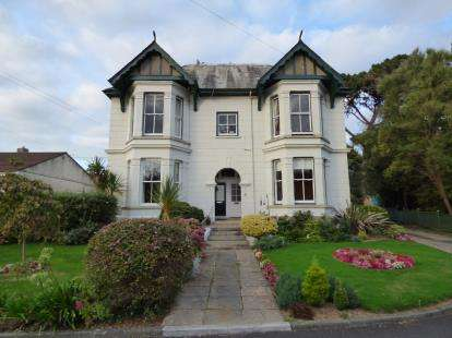 1 Bedroom Flat for sale in 107 Bodmin Road, Truro, Cornwall