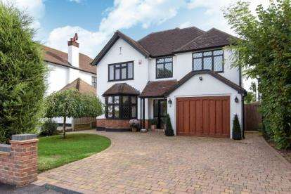 5 Bedrooms House for sale in Sherborne Road, Petts Wood, Orpington