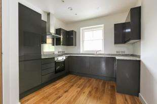 3 Bedrooms Flat for sale in Lewisham Way, Brockley, London