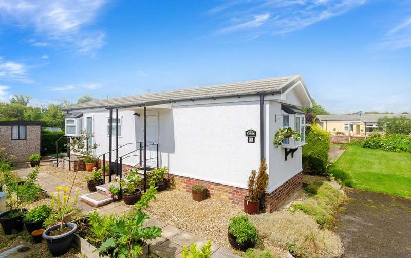 1 Bedroom Bungalow for sale in Willow Way, Allington Gardens, Allington, Grantham, NG32