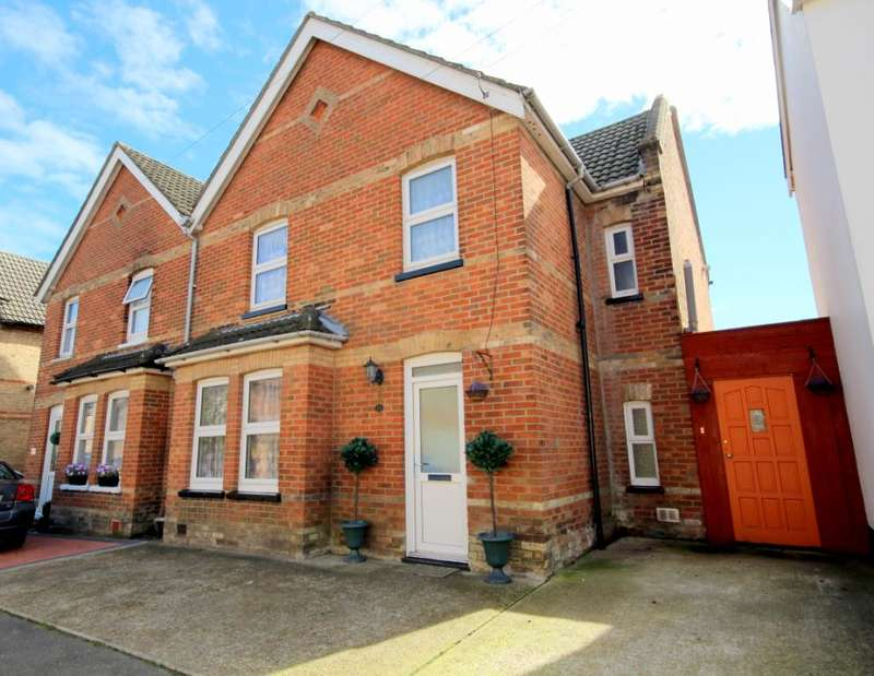 4 Bedrooms Semi Detached House for sale in Gladstone Road, Parkstone, Poole, BH12