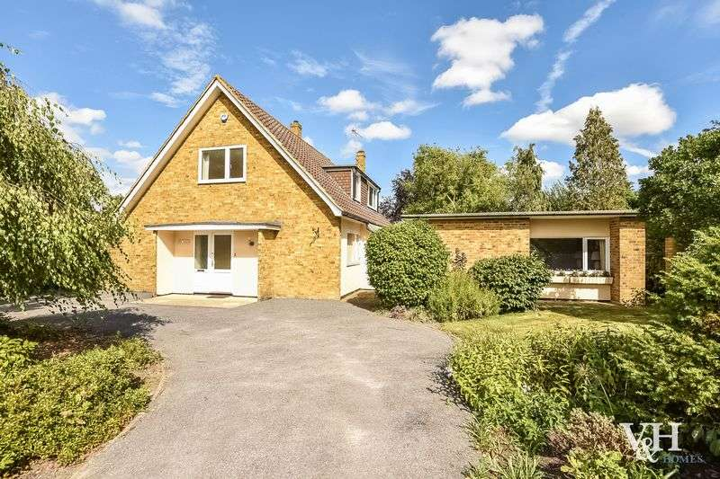 3 Bedrooms Detached House for sale in Green Lane, Ashtead