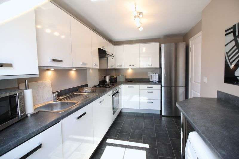 3 Bedrooms Detached House for sale in Taunton Way, Retford