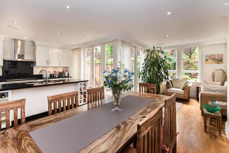 5 Bedrooms Terraced House for sale in Pomeroy Close, Richmond Lock