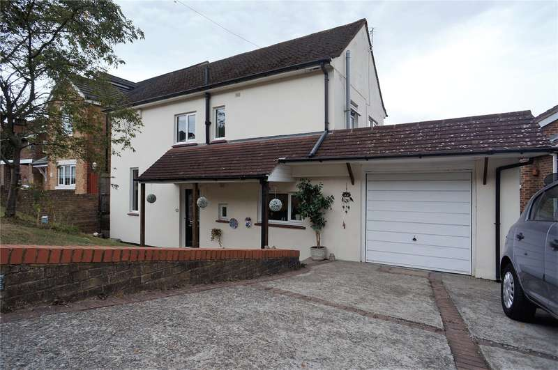 3 Bedrooms Detached House for sale in Pilgrims Way, Cuxton, Rochester, Kent, ME2
