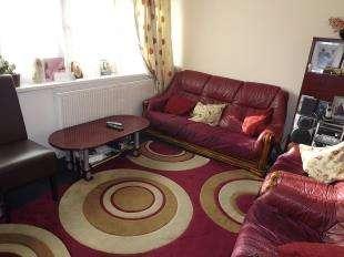 2 Bedrooms Flat for sale in Pentridge Street, Peckham, London