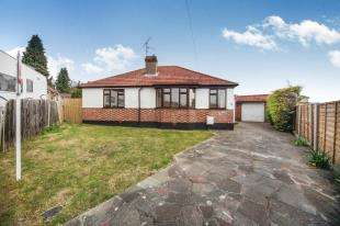 2 Bedrooms Bungalow for sale in Langley Road, Selsdon, South Croydon, Surrey