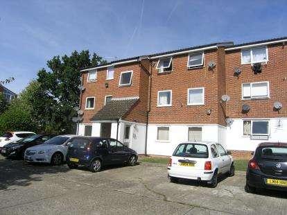 2 Bedrooms Flat for sale in Loughton, Essex, .