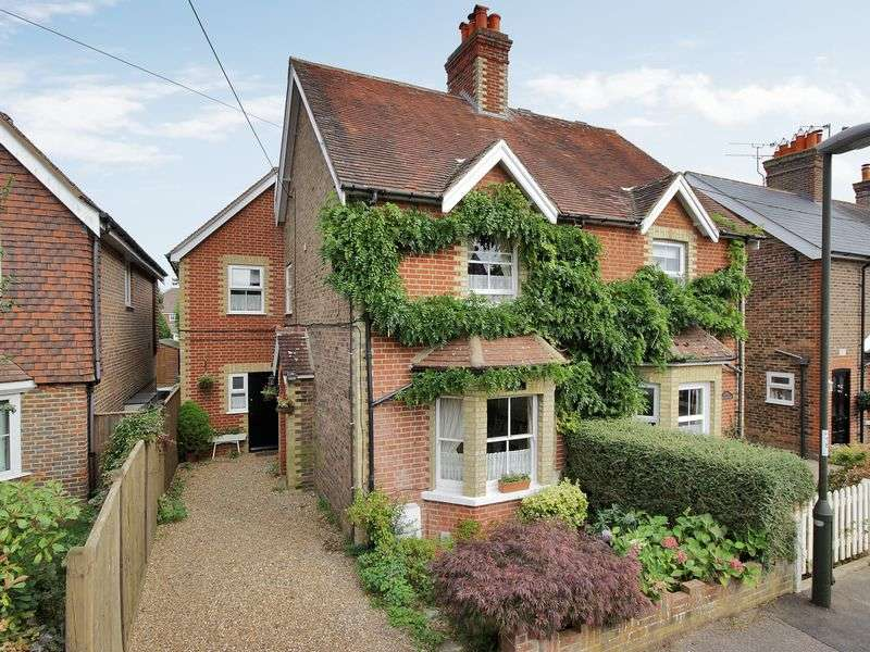 4 Bedrooms Semi Detached House for sale in Ifield Green, Ifield, Crawley, West Sussex