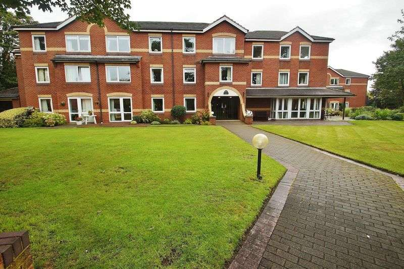2 Bedrooms Flat for sale in Homechase House, Chase Close, Southport