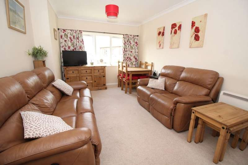 1 Bedroom Flat for sale in South Lodge Pagham Road, Bognor Regis, PO21