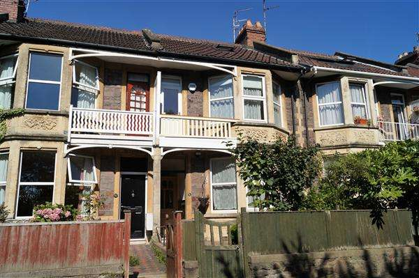 4 Bedrooms Terraced House for sale in Frayne Road, Southville, Bristol