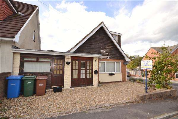 2 Bedrooms Bungalow for sale in Birchin Lane, Whittle Le Woods, Chorley
