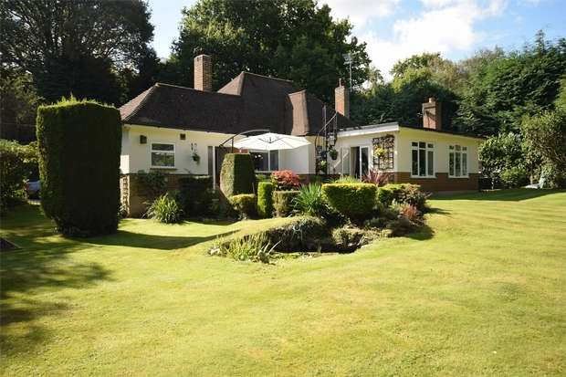 4 Bedrooms Detached Bungalow for sale in Copt Hall Road, Ightham, Sevenoaks, Kent