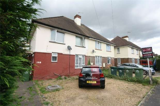 4 Bedrooms Semi Detached House for sale in Viola Avenue, Stanwell, Staines, Surrey