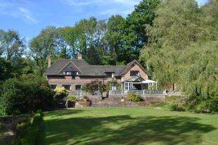 4 Bedrooms Detached House for sale in Catts Hill, Mark Cross, Crowborough, East Sussex