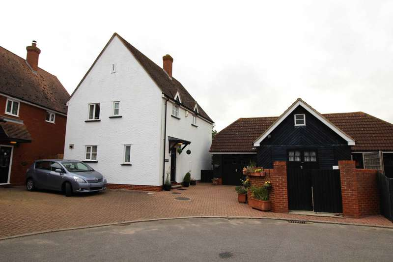 3 Bedrooms Detached House for sale in Priors Way, Coggeshall