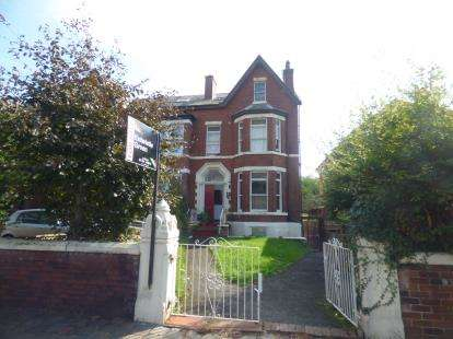 House for sale in Avondale Road, Southport, Merseyside, PR9