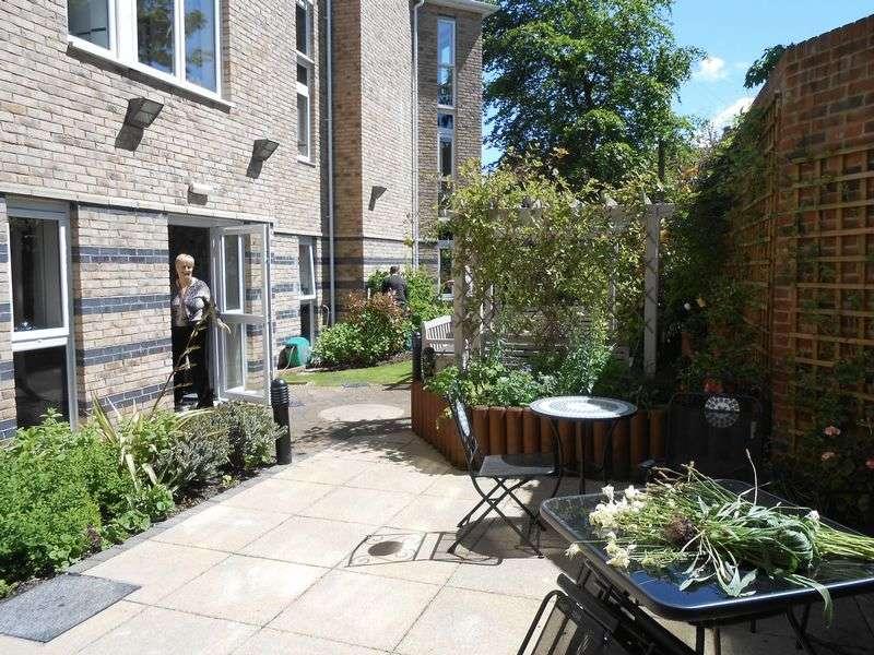 1 Bedroom Flat for sale in Speakman Court Hazel Road, Altrincham: One bed second floor retirement apartment