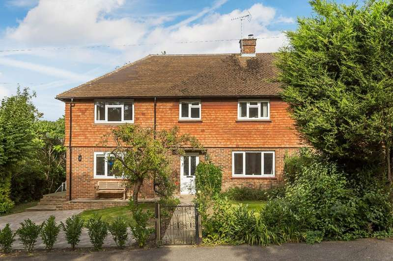 4 Bedrooms Semi Detached House for sale in Ridlands Rise, Limpsfield Chart.