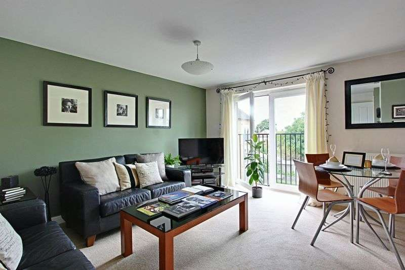 2 Bedrooms Flat for sale in Redhill Park, Hull