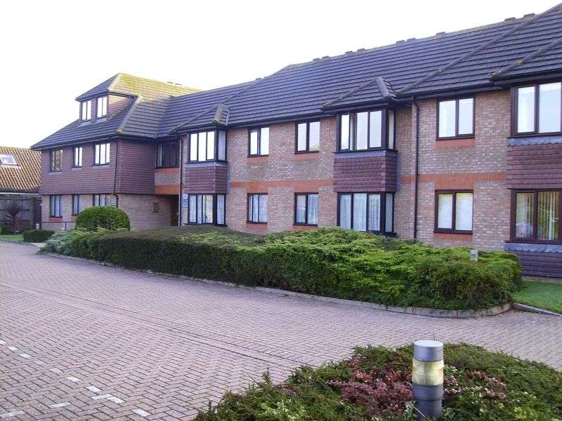 1 Bedroom Retirement Property for sale in Field House, Littlehampton, BN16 3RU