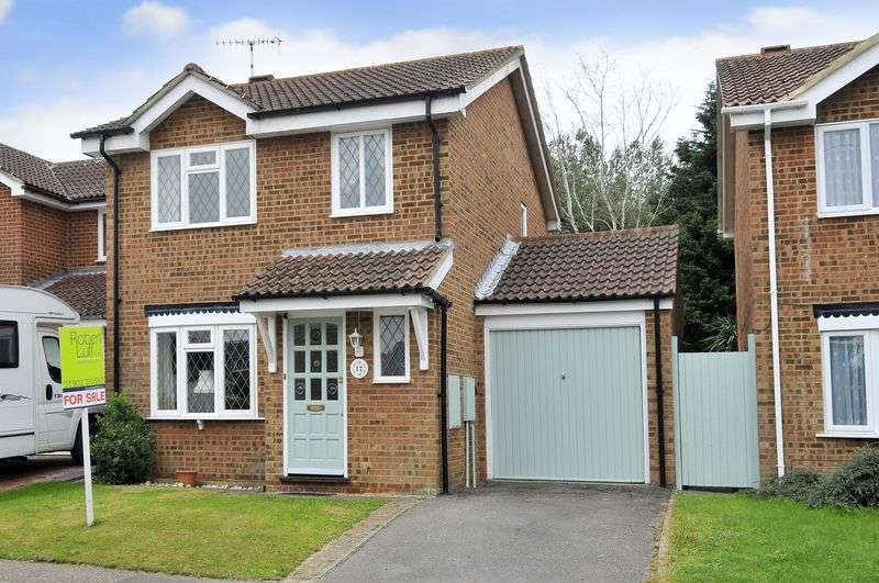 3 Bedrooms Detached House for sale in Woodpecker Way, Worthing