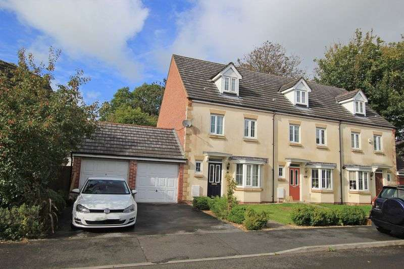 3 Bedrooms Semi Detached House for sale in BRO'R HOLL SAINT, CARMARTHEN