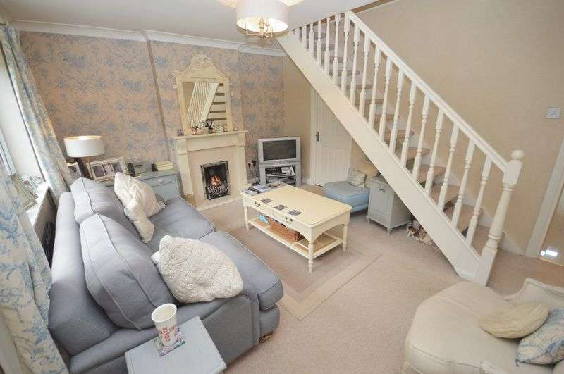 3 Bedrooms Terraced House for sale in Kingham Close, Widnes