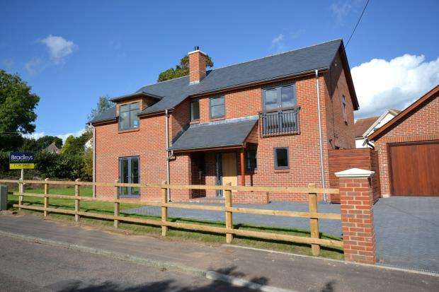 4 Bedrooms Detached House for sale in Raleigh Road, Budleigh Salterton, Devon