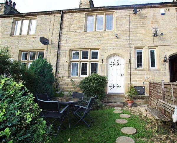 2 Bedrooms Terraced House for sale in Railway Terrace, Copley, Halifax