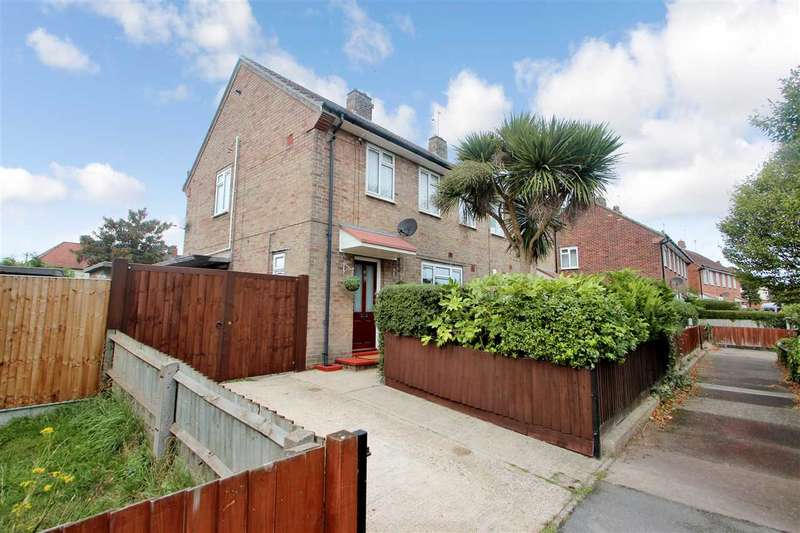 3 Bedrooms Semi Detached House for sale in Cheveling Road, Colchester
