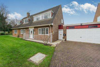 4 Bedrooms Detached House for sale in Ladypool, Hale Village, Liverpool, Cheshire, L24