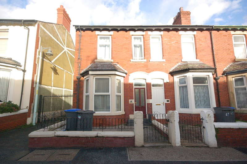4 Bedrooms End Of Terrace House for sale in Oxford Road, Blackpool