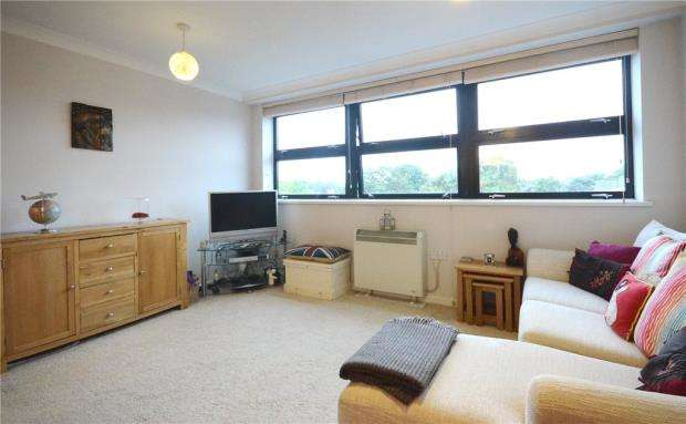 1 Bedroom Apartment Flat for sale in Richmond Court, Fleet Road, Fleet