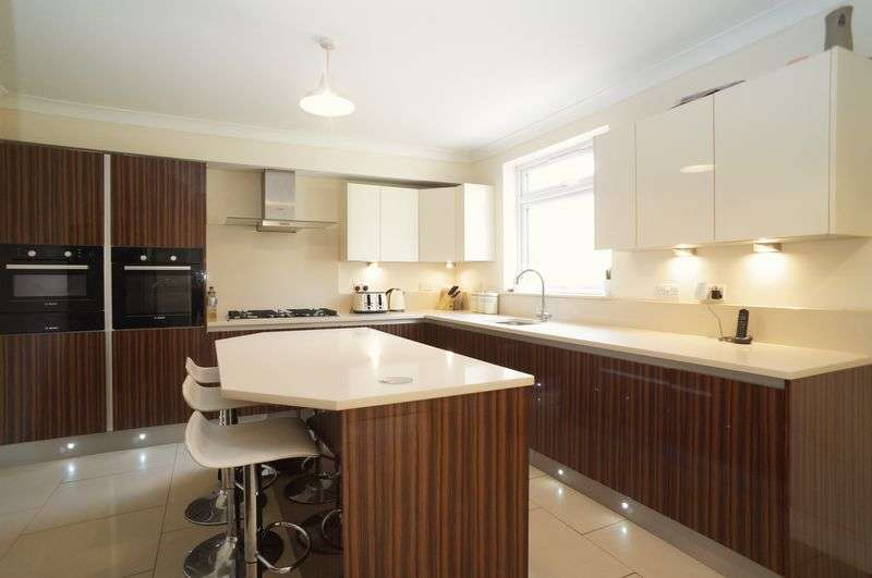 5 Bedrooms Terraced House for sale in Southwood Road, London, SE9 3QH