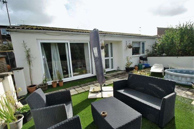 3 Bedrooms Detached Bungalow for sale in RUSPIDGE, GLOUCESTERSHIRE