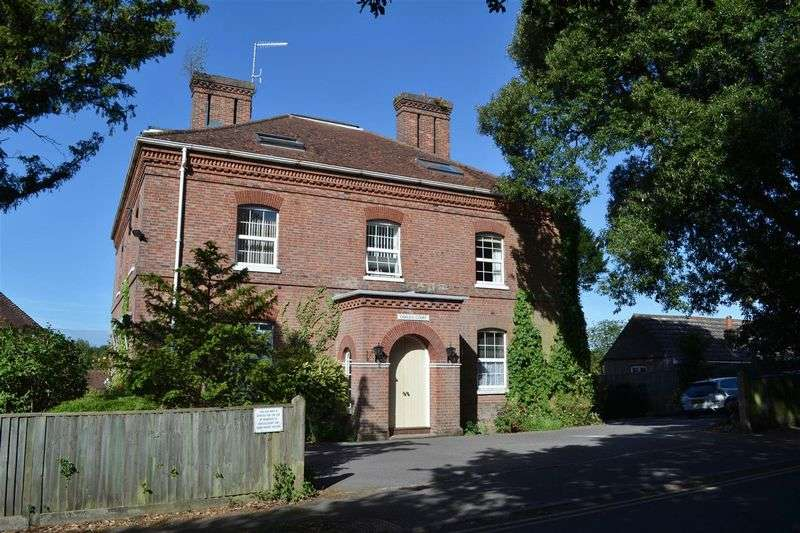 1 Bedroom Retirement Property for sale in High Street, Hartfield