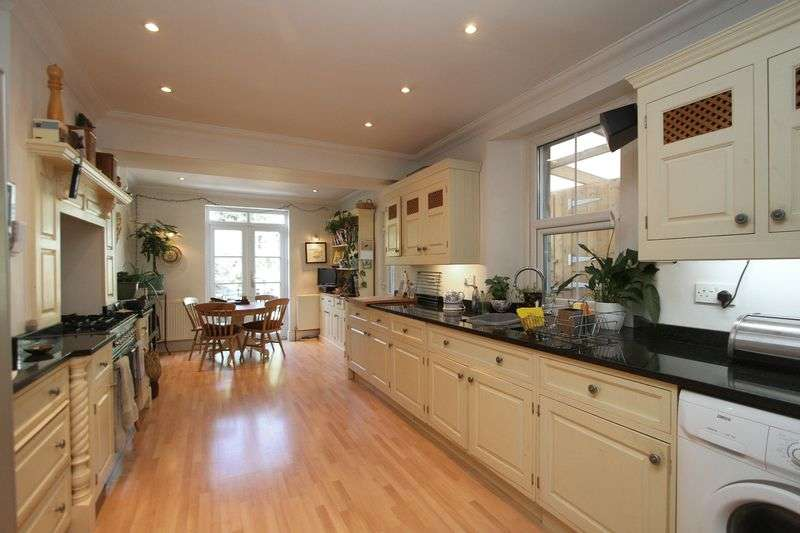 4 Bedrooms Semi Detached House for sale in Hillside Road, Clevedon
