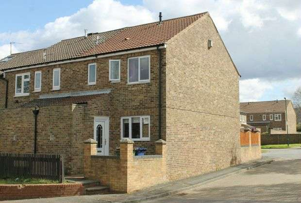 3 Bedrooms Terraced House for sale in Helmsley Drive, Guisborough