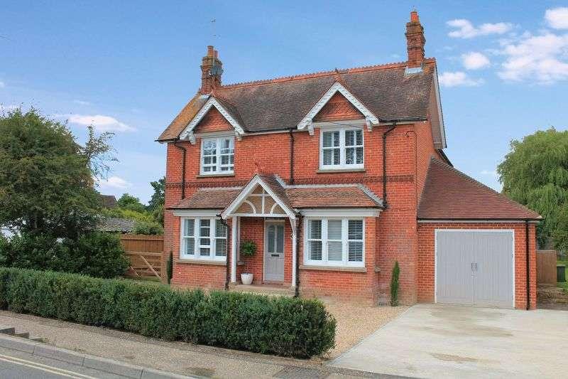 4 Bedrooms Detached House for sale in Daux Avenue, Billingshurst