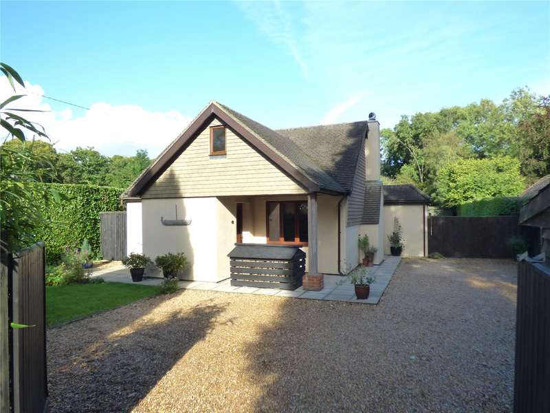 4 Bedrooms Detached House for sale in Telegraph Lane, Four Marks, Alton, Hampshire, GU34