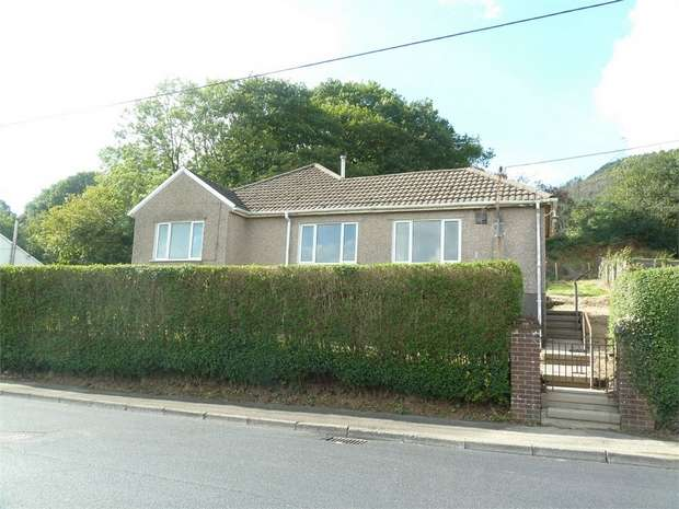 3 Bedrooms Detached Bungalow for sale in Garnwen Road, Nantyffyllon, Maesteg, Mid Glamorgan