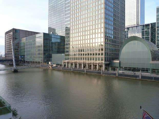 2 Bedrooms Flat for sale in Discovery Dock East, 2 - 3 South Quay Square, Canary Wharf