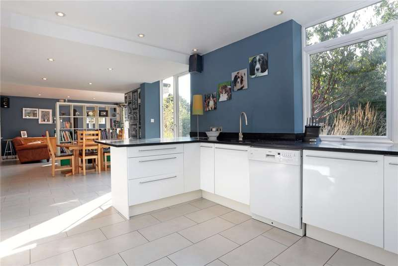 4 Bedrooms Detached House for sale in South Bank, Westerham, Kent, TN16