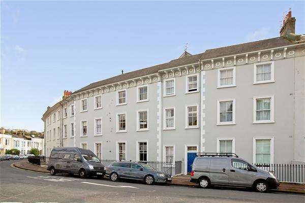1 Bedroom Apartment Flat for sale in Park Crescent, Brighton