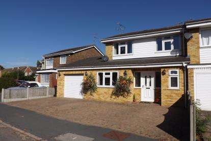 3 Bedrooms End Of Terrace House for sale in Burnham On Crouch, Essex