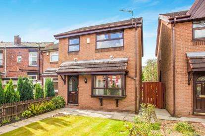 3 Bedrooms Semi Detached House for sale in Lupton Street, Chorley, Lancashire