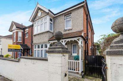 3 Bedrooms Detached House for sale in Inner Avenue, Southampton, Hampshire
