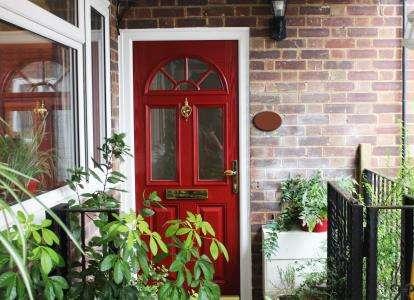 2 Bedrooms Maisonette Flat for sale in Cat Hill, Barnet
